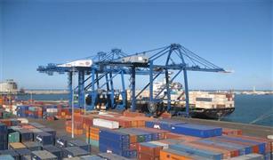 قرارات جديدة بميناء دمياط لجذب الخطوط الملاحية العالمية
