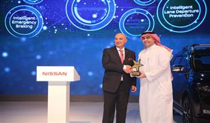 """إكس-تريل"""" تحصد جائزة أفضل سيارة من فئة كروس أوفر خلال المعرض السعودي الدولي للسيارات"""