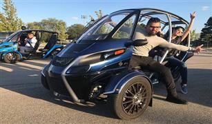 """بالفيديو...  مستقبل السيارات الكهربائية بـ""""ثلاث عجلات"""" فقط"""