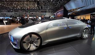 شركات عالمية تراهن على اكتساح السيارات ذاتية القيادة للأسواق
