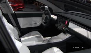 تسلا للسيارات الكهربائية تسجل أرباحا فصلية لأول مرة