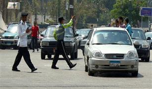 مصرع شخص أثناء عبوره  الاتوستراد وكثافات متوسطة بمحاور القاهرة