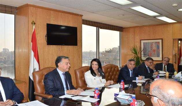 لضمان موسم آمن.. وزيرا النقل والسياحة يراجعان إجراءات تسيير حركة الفنادق العائمة