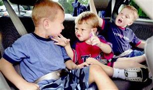 لمنع الفوضى.. أفكار لشغل وقت أطفالك أثناء رحلة سفر طويلة بالسيارة