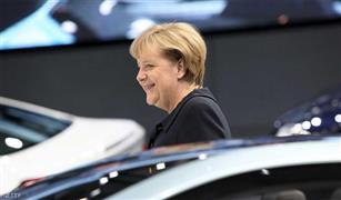 ميركل : حظر مرور سيارات الديزل لايخرق القواعد الأوروبية