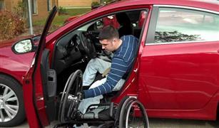 خبير جمركي يكشف أبرز تعديل على قانون سيارات المعاقين