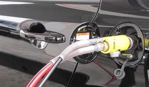"""وزير المالية"""": نؤيد مشروع لاستبدال سيارات بنزين 80 القديمة بأخرى تعمل بالغاز"""