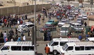 """زحام مرورى بـ""""جسر السويس"""" بسبب سقوط شجرة.. وتصادم سيارتين بـ""""الأتوستراد"""""""