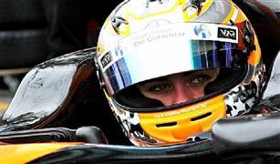 بعد نجاتها من حادث مروّع في الفورمولا 3.. فلورش تعود إلى منزلها