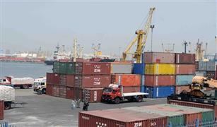 فتح بوغاز مينائي الاسكندريه والدخيلة بعد تحسن الأحوال الجومائية