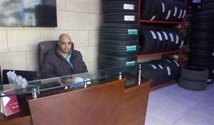 شاهد بالفيديو  نصيحة ذهبية من صاحب محل للإطارات السيارات