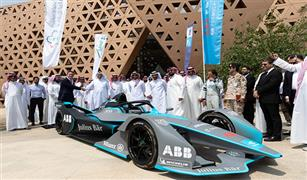 """انطلاق مهرجان سباق """"السعودية للفورمولا-إي الدرعية"""" بمشاركة 11 فريقا دوليا"""