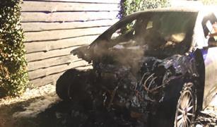 """تسجيل أول حادث احتراق لسيارة """"جاجوار"""" كهربائية"""