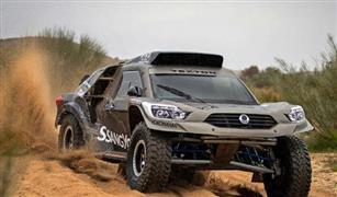 شاهد بالفيديو.. سيارة فائقة من سانج يونج للسباقات الصحراوية