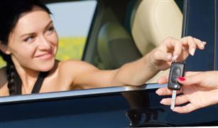 هل توافق على إعارة سيارتك لصديق؟