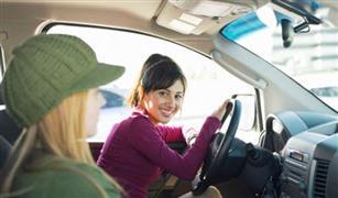 نصائح ذهبية  للأمهات والمراهقين بالحذر خلال الاحتفال بالسيارات فى اعياد الميلاد
