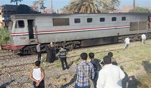 رغم تشغيل الأجراس.. إصابة قائد سيارة اقتحم مزلقان القطار بشبين القناطر