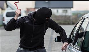 لص حاول سرقة سيارة في النرويج يستنجد بالشرطة لإخراجه منها!