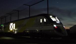 شاهد بالفيديو.. أول قطار فائق السرعة في الولايات المتحدة