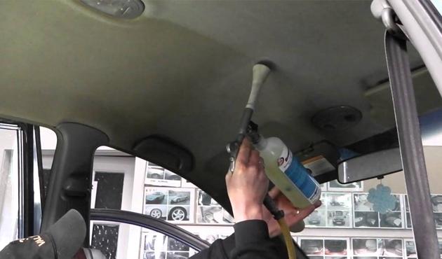 أسباب تلف فرش سقف السيارة وكيف يعود وكأنه جديد خبير يجيب بالفيديو