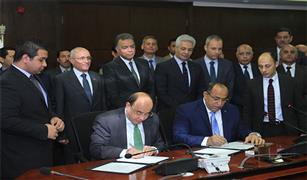 وزيرا النقل والإنتاج الحربي يشهدان توقيع بروتوكول تعاون مشترك