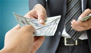 استمرار تثبيت سعر الدولار الجمركي خلال شهر مارس عند 16 جنيها