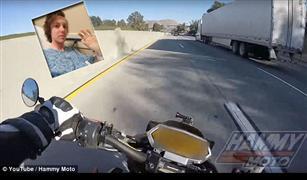 حاول تصوير سرعته الجنونية على الدراجة فالتقطت الكاميرا مفاجآت| فيديو