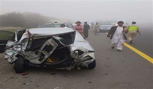 بسبب الضباب.. تصادم 28 سيارة على أحد الطرق في دبي