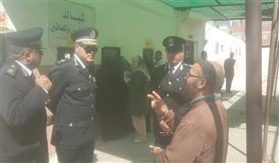 مدير مرور القاهرة يزور وحدة تراخيص حلوان ويحل مشكلات المواطنين