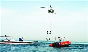 النساء يقدن الهليكوبتر في دبي