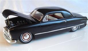 """بيع فاتورة  إصلاح سيارة """"فورد"""" عمرها 69 عامًابـ5000 آلاف جنيه.. ماذا كُتب على ظهرها؟"""