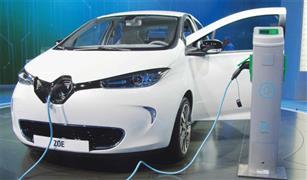 مصدر بالجمارك: سيارة كهربائية واحدة فقط دخلت مصر هذا العام