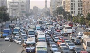 كثافات مرورية عالية بميدان الحجاز والتسعين بسبب أعطال أتوبيسين نقل عام