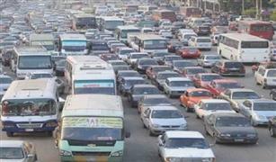 كثافات مرورية عالية على  كوبرى القبة بسبب تصادم سيارتين