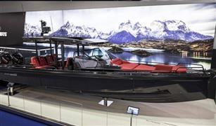 أشهر شركة لتعديل سيارات مرسيدس تدخل عام القوارب.. شاهد النتيجة بالفيديو