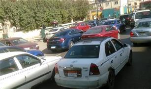الدفع بالاوناش لرفع اعطال السيارات لفض الكثافات المرورية