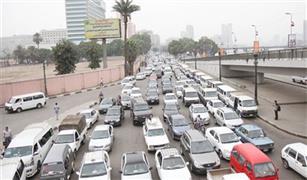 كثافات مرورية بالعباسية ومدينة نصر بسبب تعطل ميني باص وكسر ماسورة مياه