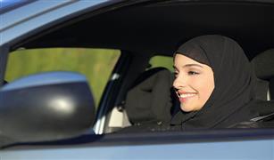 تشعرين بالتقصير في العبادة أثناء رمضان.. سيارتك مكان مثالي لتحصيل الثواب