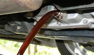 مخاطر إهمال تغيير زيت الفتيس في سيارتك