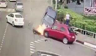 فيديو صادم لحادث دهس مشاة على الرصيف في روسيا