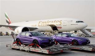 (الإمارات للشحن الجوي) تنقل سيارات فارهة للمشاركة في رالي جامبول 3000.