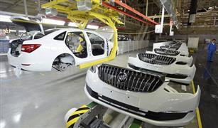 مع بدء فرض الرسوم الجديدة.. حرب السيارات التجارية تشتعل بين أمريكا والصين