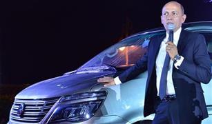 دسوقى:  دراسة لإنشاء أول مصنع لبطاريات السيارات الكهربائية في مصر