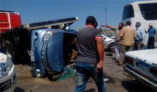 تصادم سيارتين ملاكى ونقل بمقطورة بطريق القاهرة الإسكندرية الصحراوى