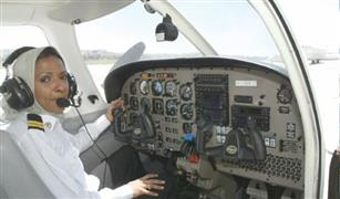شركة طيران سعودية تستعين بسعوديات للعمل كمساعدات طيار