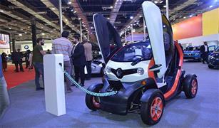 رينو تويزي أصغر سيارة كهربائية بمعرض  أوتوماك_فورميلا 2018