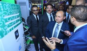 """وزير الصناعة من معرض """"أوتوماك"""": السوق المصري مؤهل ليصبح مركزاً رئيسيًا لصناعة السيارات في الشرق الأوسط"""