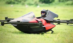بالفيديو لحل ازمة الزحام سيارة رياضية طائرة