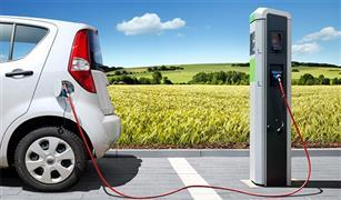 """هل السيارات الكهربائية أقل عرضة للإصابة بالحريق من """"التقليدية""""؟.. تقرير أمريكي يجيب"""