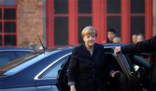 """رغم كل الجهود لحماية البيئة.. منظمة ألمانية تصف حزب ميركل بـ """"حزب صناعة السيارات"""""""